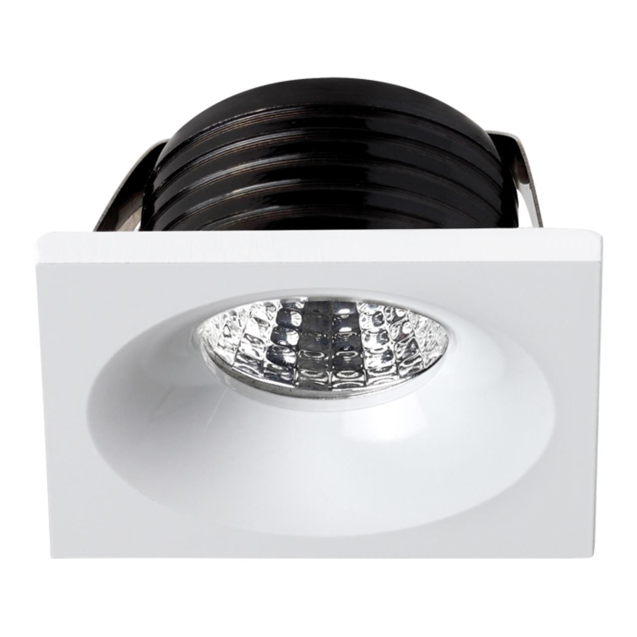 357701 SPOT NT18 090 белый Встраиваемый светильник IP20 LED 3000K 3W 160-265V DOT
